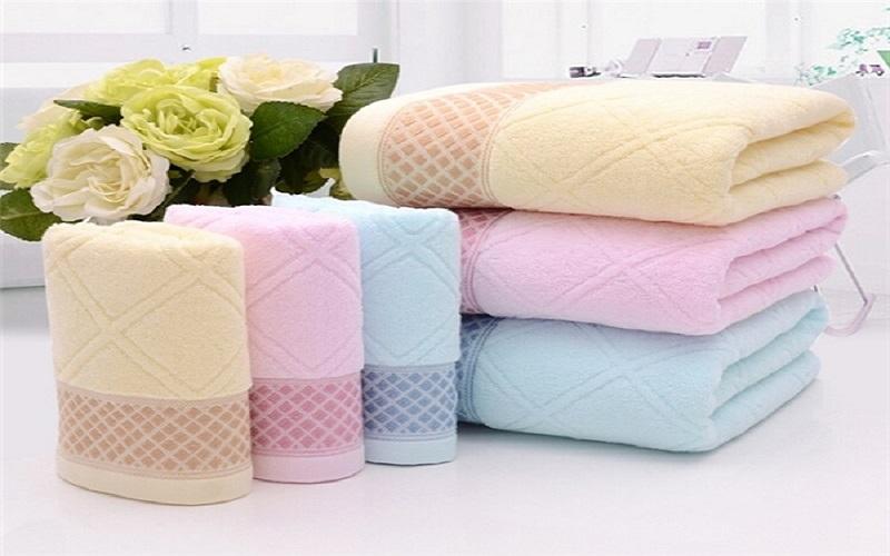 Cách phân biệt khăn Cotton với khăn Microfiber