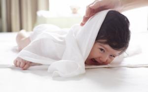 Khăn tắm cho trẻ sơ sinh an toàn, chất lượng